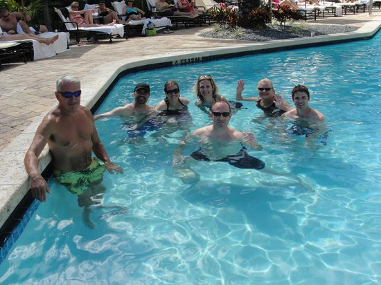 Key West Marriott Beachside Hotel: Happy Hour with Family and Friends!
