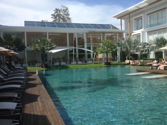 Lanna Samui : piscine / vue du côté cinnamon palm view