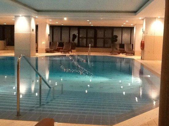 Hilton Prague: swimming pool