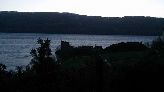 WOW Scotland: Loch Ness and Urquart Castle