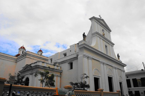 Crypt of Ponce De Leon - Picture of Cathedral of San Juan Bautista ...