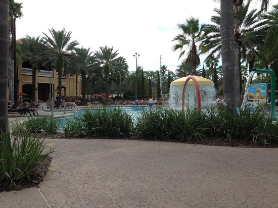 Floridays Resort: Large Pool