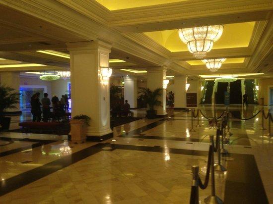 Monte Carlo Resort & Casino : standard room on the 28th