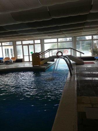"""Hotel Mioni Royal San: Il """"cammino"""" per raggiungere la piscina esterna.."""