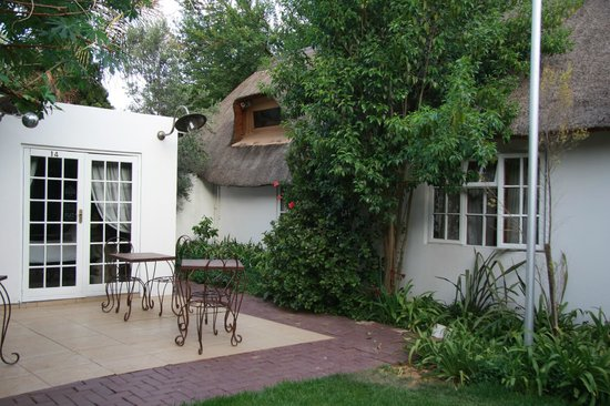 Little Eden Guest Lodge: Gartenbereich