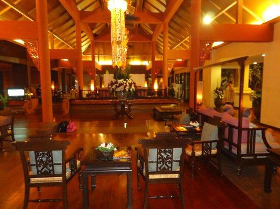 Siripanna Villa Resort & Spa: Hotelhalle