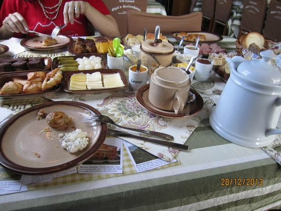 Opa's Kaffeehaus: cafe colonial