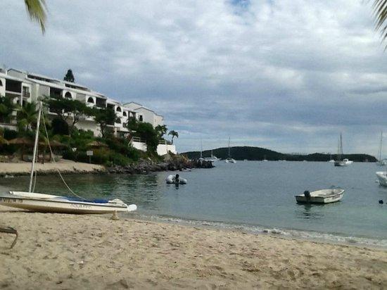 Elysian Beach Resort: beach area/view of hotel exterior