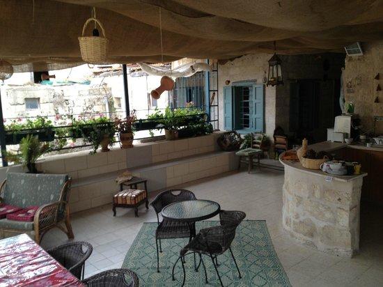 Simsim Guest House: Balcony