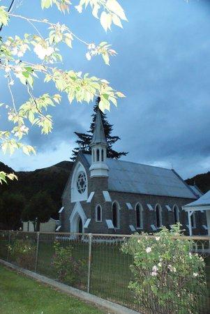 Settlers Cottage Motel: Eglise à proximité de Settler's cottage
