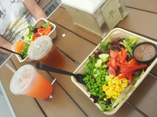 Best Salad And Empanadas Of South Beach Review Go Fresh Food Miami Fl Tripadvisor