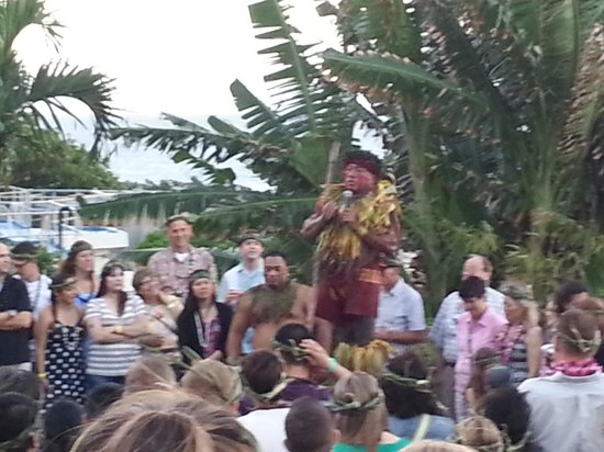 Chief's Luau: Blessing the food