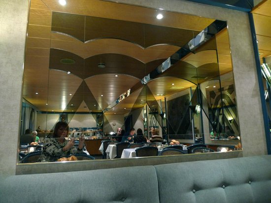 Imperial Hotel: кафе для завтраков