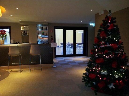 Turin Airport Hotel & Residence: Zona bar