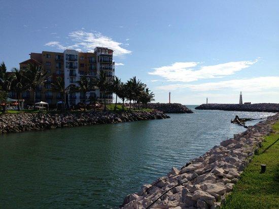 El Cid Marina Beach Hotel: Salida de la Marina