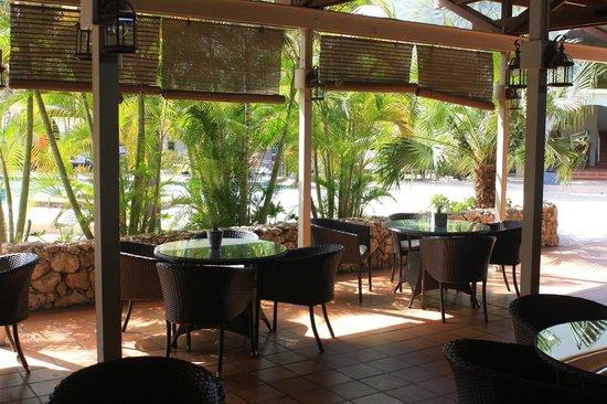 Talk of the Town Hotel & Beach Club: Comedor donde preparan unos ricos platos