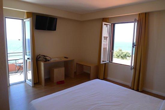 Hotel Jardim do Mar : seaview