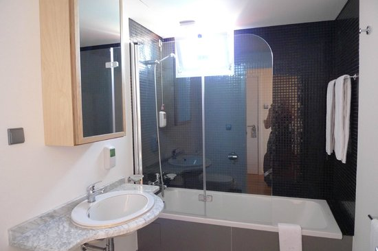 Hotel Jardim do Mar : bathroom