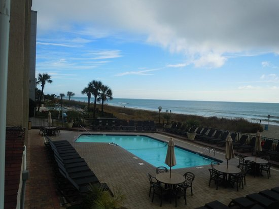 Compass Cove Oceanfront Resort : Pool and the Beach