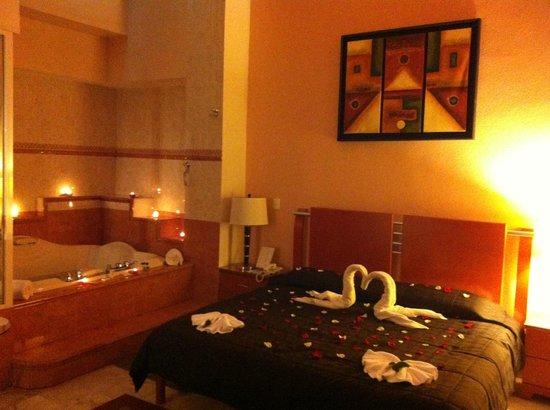 Hotel & Suites Campestre Morelia: MASTER SUITE