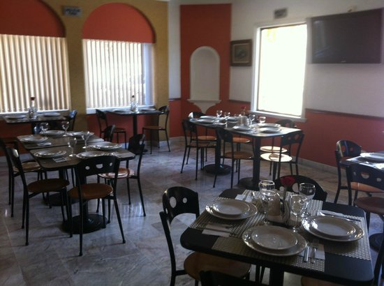 Hotel & Suites Campestre Morelia: RESTAURANTE