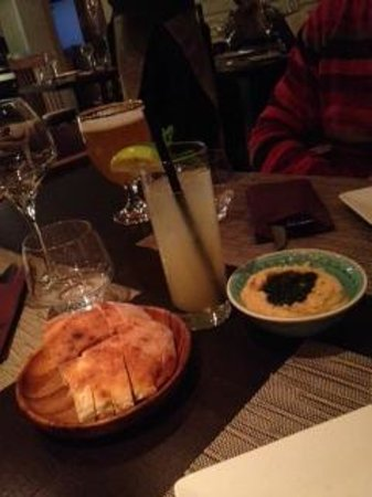 Eat Me : Hummus and drink