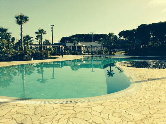 Conrad Algarve: One of the pools
