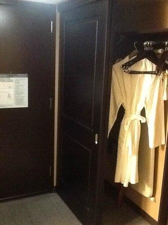 Sheraton Universal Hotel : Closet