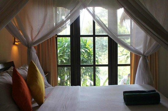 Ubud Dedari Villas: Постель в номере