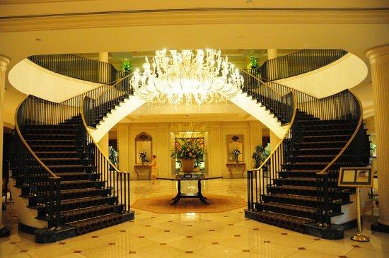 Belmond Charleston Place : Charleston Place lobby