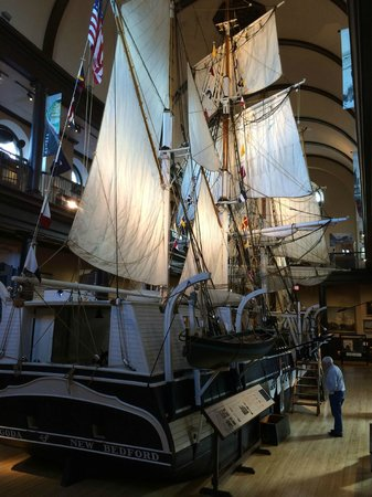 New Bedford Whaling Museum : The Lagoda, half-scale model of a sailing whaler