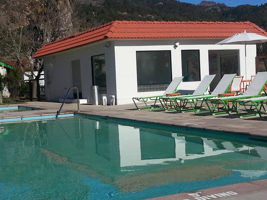 The Sunburst Calistoga : Jacuzzi
