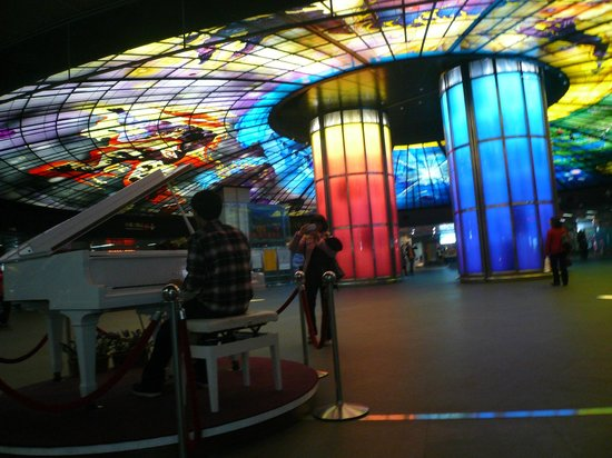 The Dome of Light : ピアノ男子とステンドグラス