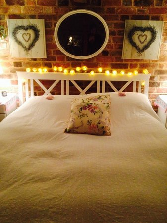 The Old Manor House Bed & Breakfast: The upstairs bedroom.
