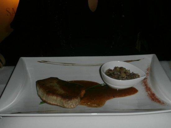 La Tonnellerie: Lekker stukje tonijn met véél te weinig rijst