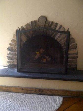 Glasbern Inn - Fogelsville / Allentown: Our Hobbit fireplace!