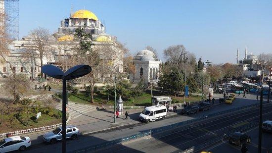 Hotel Beyaz Saray: Vista desde la habitación 211