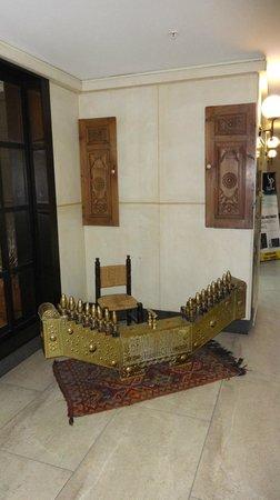 Hotel Beyaz Saray: Detalle en recepción