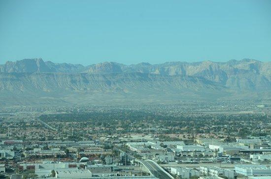 Four Seasons Hotel Las Vegas: Mountain view