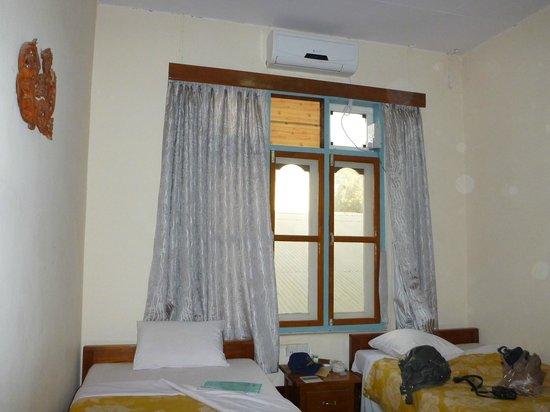 Thiri Sandar Motel : Кондиционер новый.