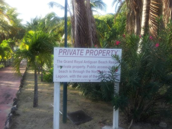 Grand Royal Antiguan Beach Resort: Broken Sign