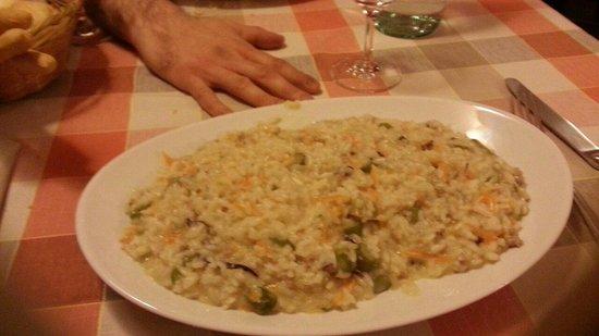Il vicolo: Porzione grande di risotto!!!!!!