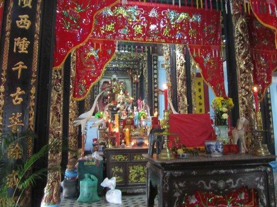 Chau Phu Temple: View of main altar
