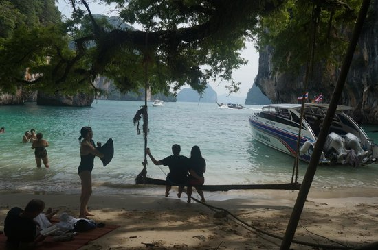 Phuket Sail Tours: the white sand beach