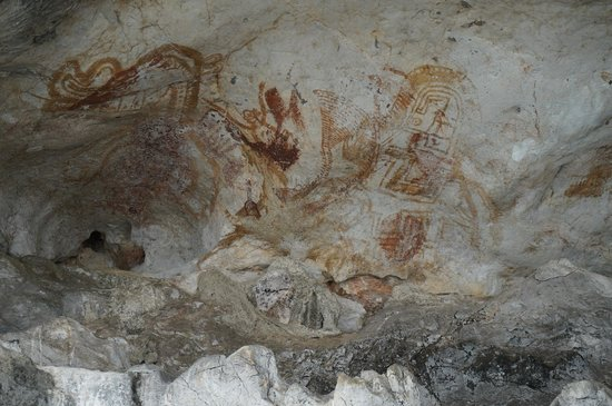 Phuket Sail Tours: old cave paintings