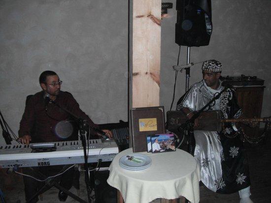 Il mare : Live local entertainment!