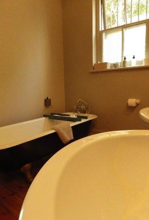 Welgelegen: Bathroom Superior room