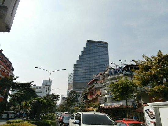 Pullman Bangkok Hotel G : bel hotel