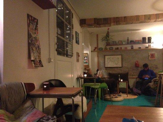 Woodah-Hostel: Cafe/reception/breakfast room