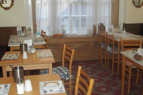 Lynton Hotel London : Breakfast area